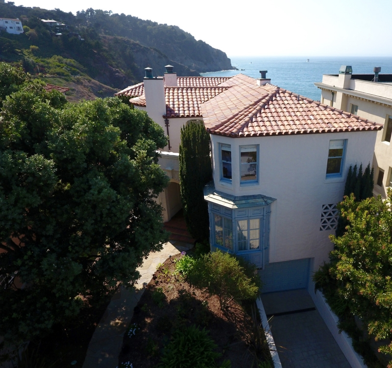 320 Sea Cliff Avenue